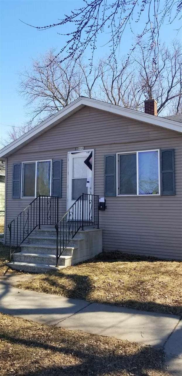 664 Broad Street, Oshkosh, WI 54901 (#50199417) :: Todd Wiese Homeselling System, Inc.