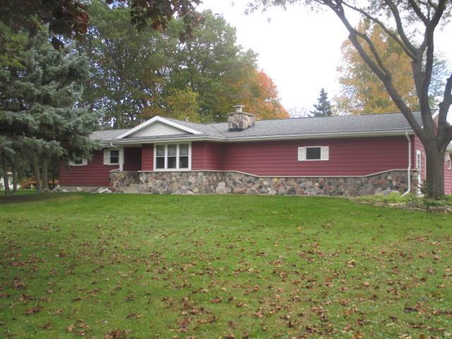 N8157 Lakeview Road, Taycheedah, WI 54937 (#50212896) :: Dallaire Realty