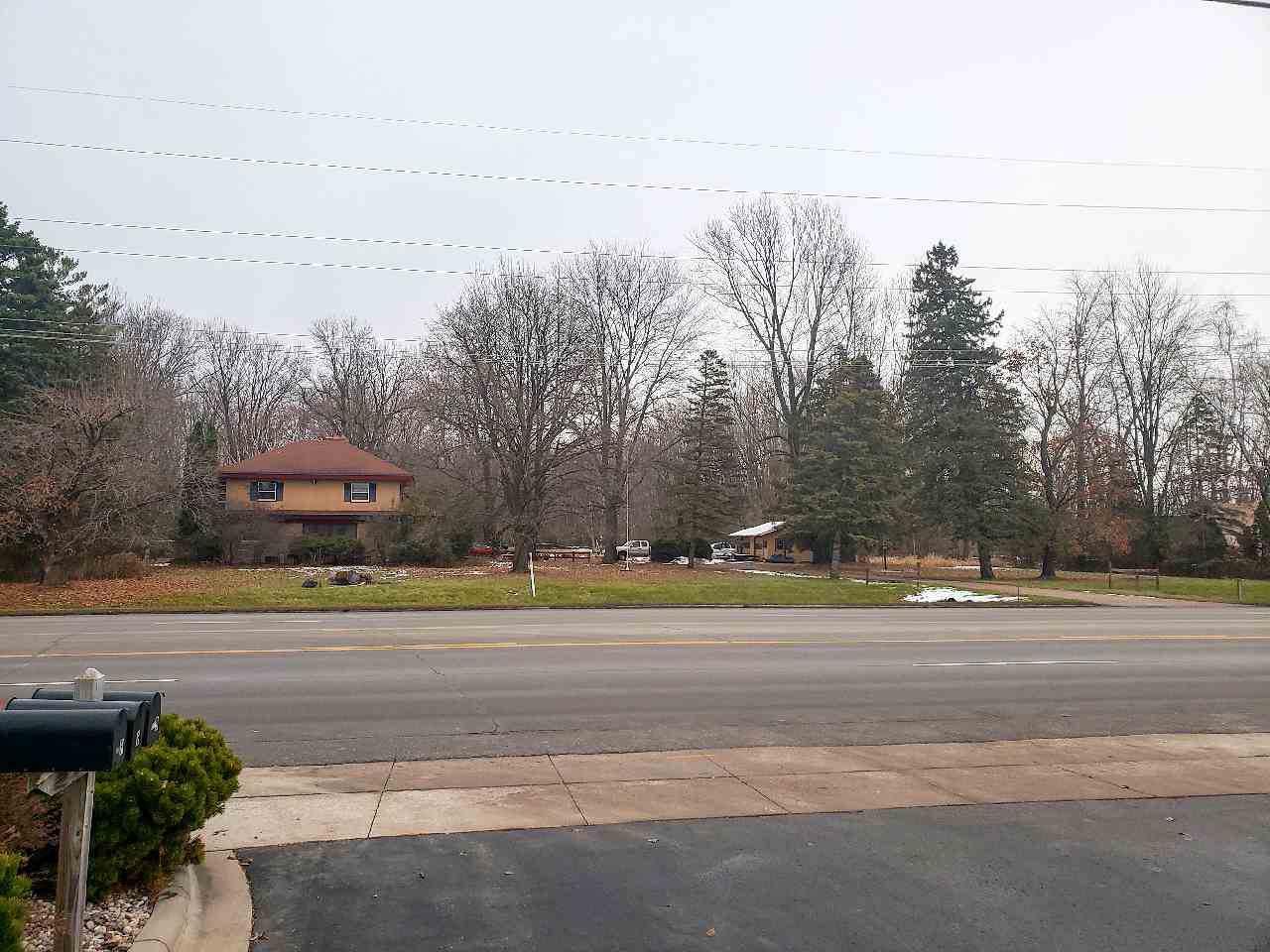 895 Oneida Street - Photo 1