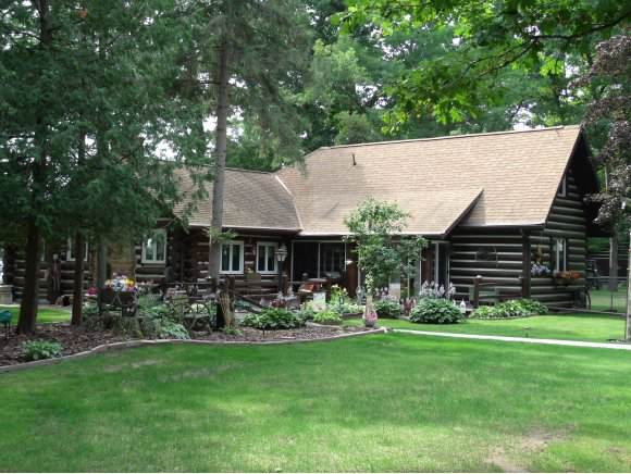 9651 River Pines Lane, Fremont, WI 54940 (#50214533) :: Todd Wiese Homeselling System, Inc.
