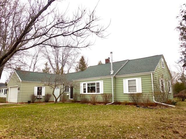 1116 Park Avenue, Oconto, WI 54153 (#50215533) :: Todd Wiese Homeselling System, Inc.