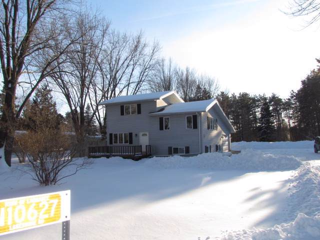 N10627 Lakeshore Road, Clintonville, WI 54929 (#50216282) :: Symes Realty, LLC