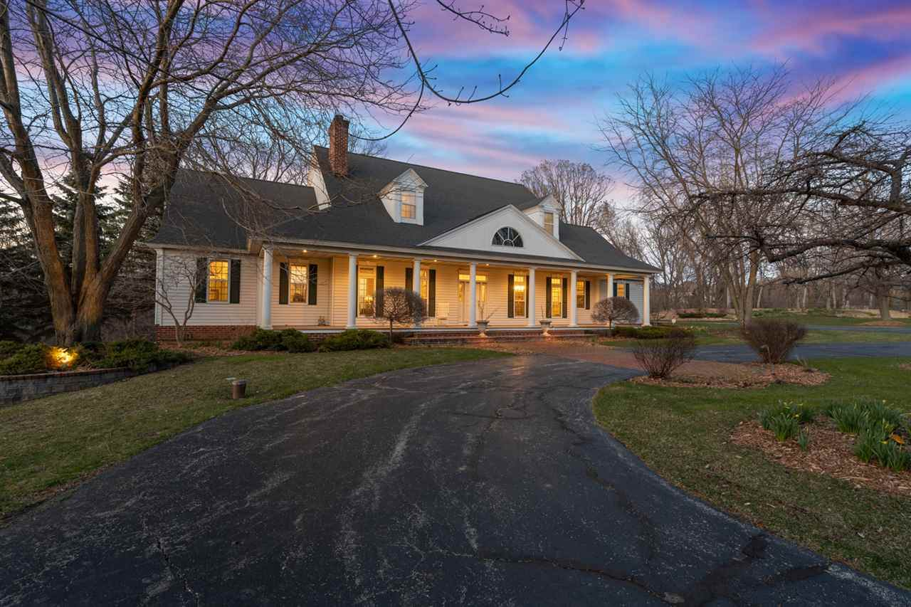 4461 Oak Ridge Circle - Photo 1
