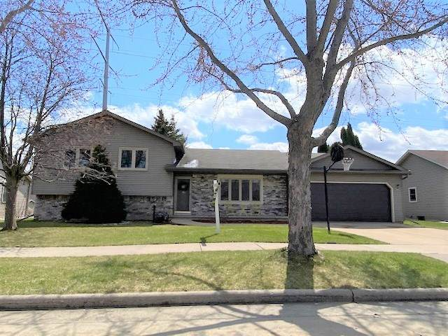 2341 Golden Avenue, Oshkosh, WI 54904 (#50220474) :: Carolyn Stark Real Estate Team