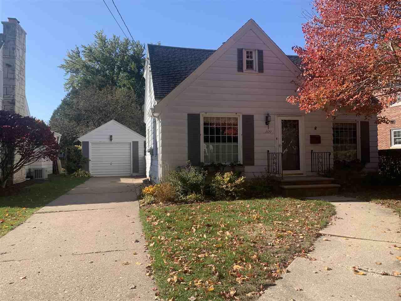1177 Division Street - Photo 1