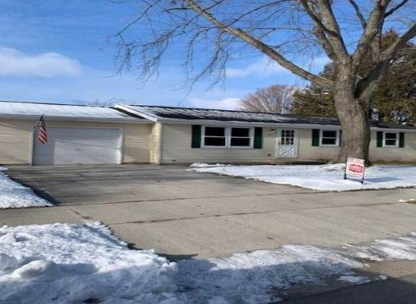 1805 Jackson Street, New Holstein, WI 53061 (#50234143) :: Town & Country Real Estate