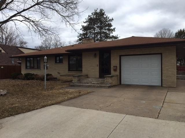 703 W 2ND Street, Shawano, WI 54166 (#50180164) :: Dallaire Realty