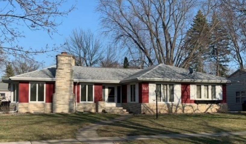 325 Cottage Avenue - Photo 1