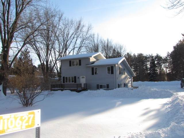 N10627 Lakeshore Road, Clintonville, WI 54929 (#50216282) :: Todd Wiese Homeselling System, Inc.