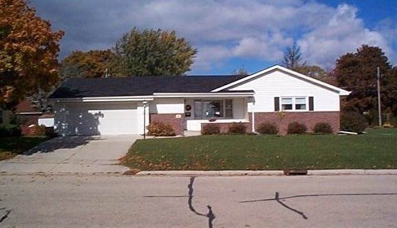 24 E Prospect Avenue, Plymouth, WI 53073 (#50232292) :: Ben Bartolazzi Real Estate Inc