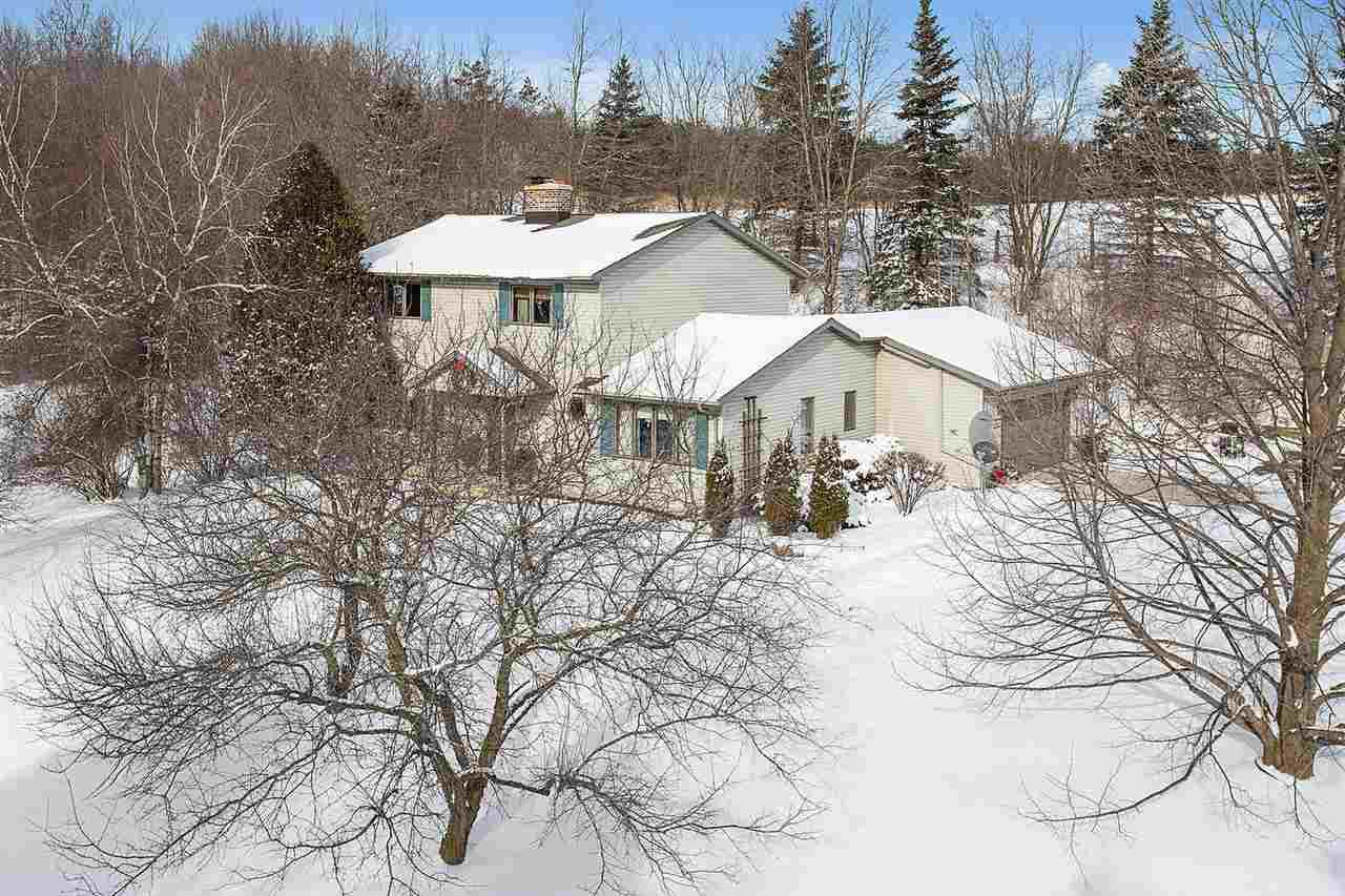 20520 Town Line Road - Photo 1