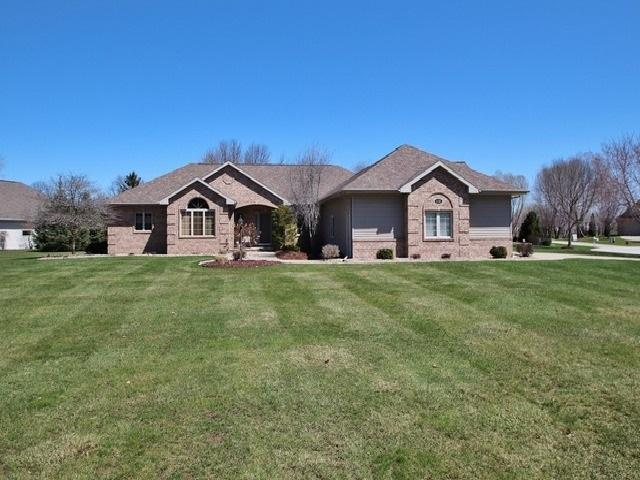 1138 Whisper Wind Court, Suamico, WI 54173 (#50201548) :: Symes Realty, LLC