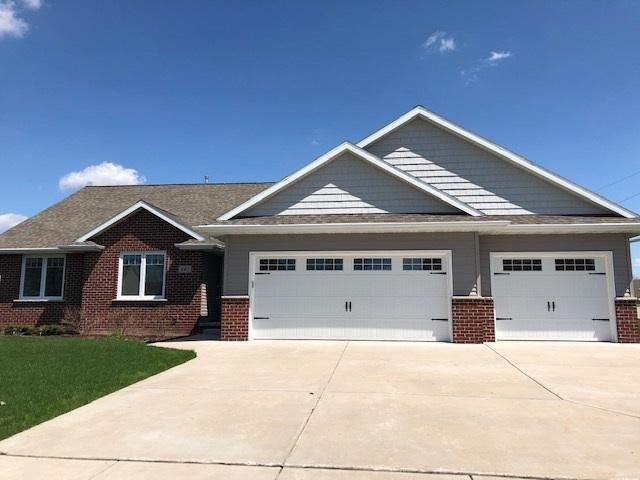 445 Mc Auliffe Heights Trail, Green Bay, WI 54311 (#50202137) :: Dallaire Realty