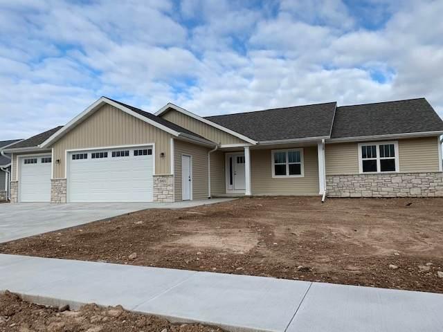 3001 E Bluetopaz Drive, Appleton, WI 54913 (#50225564) :: Todd Wiese Homeselling System, Inc.