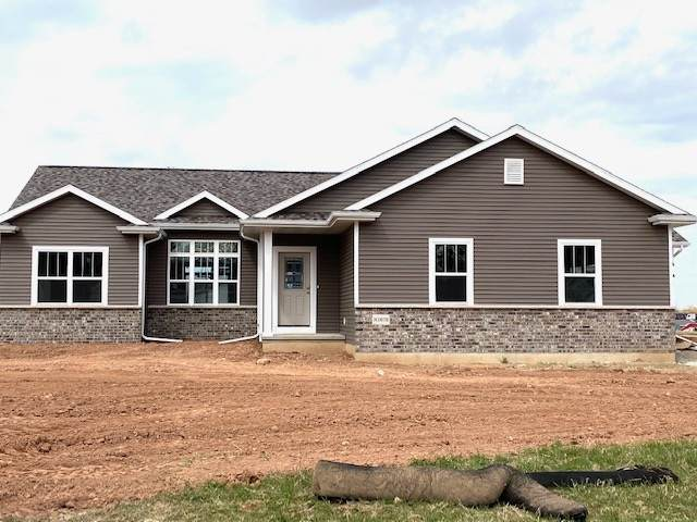N1679 Waterlefe Drive, Greenville, WI 54942 (#50219859) :: Symes Realty, LLC