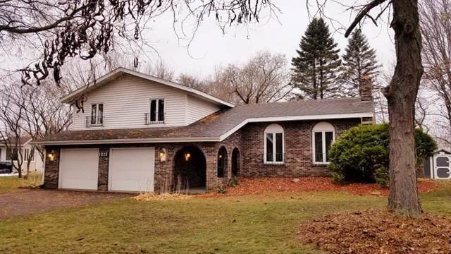 1212 Skyview Drive, Altoona, WI 54720 (MLS #1537737) :: The Hergenrother Realty Group