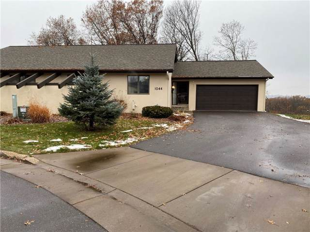 1044 Village Square, Altoona, WI 54720 (MLS #1537772) :: The Hergenrother Realty Group