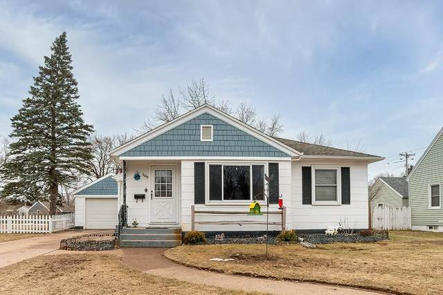 109 E Grant Avenue, Eau Claire, WI 54701 (MLS #1540469) :: The Hergenrother Realty Group
