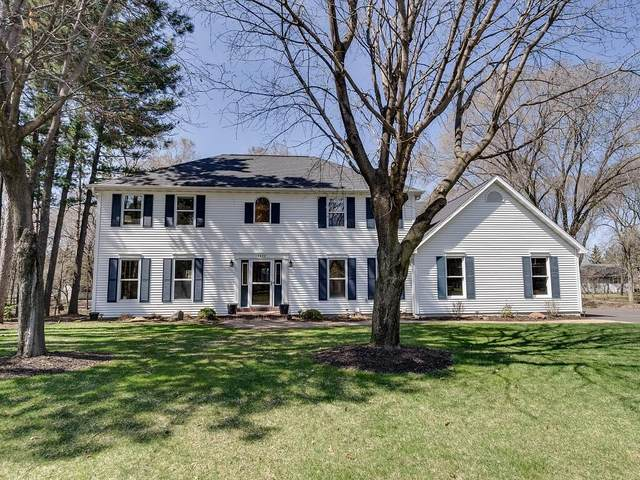 1422 Forest Knoll Court, Eau Claire, WI 54701 (MLS #1541659) :: The Hergenrother Realty Group
