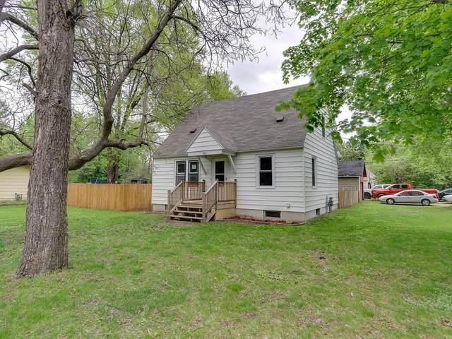 102 16th Street NE, Menomonie, WI 54751 (MLS #1542413) :: RE/MAX Affiliates