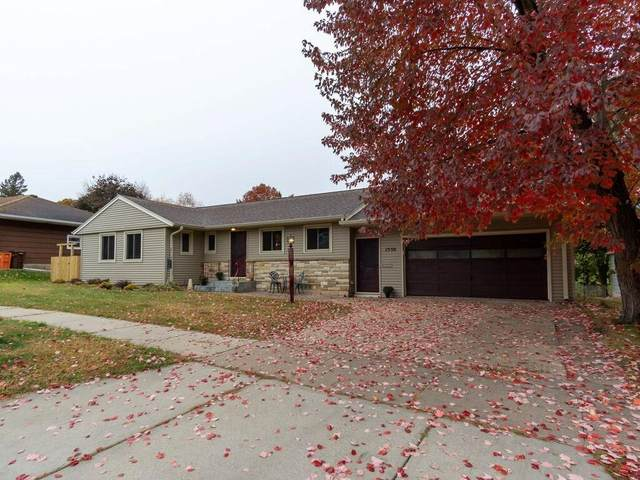 1530 Fairway Street, Eau Claire, WI 54701 (MLS #1548233) :: The Hergenrother Realty Group
