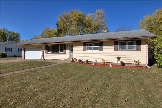 3224 Gary Lane, Eau Claire, WI 54703 (MLS #1548335) :: The Hergenrother Realty Group