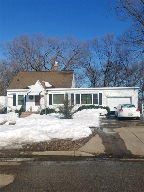 1907 7th Street, Eau Claire, WI 54701 (MLS #1528362) :: The Hergenrother Realty Group