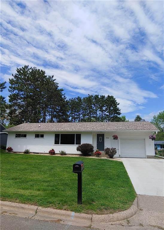 1026 W Spruce Street, Chippewa Falls, WI 54729 (MLS #1542485) :: RE/MAX Affiliates