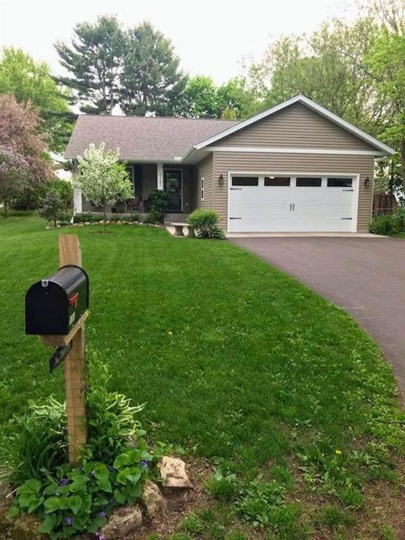 1151 W Spruce Street, Chippewa Falls, WI 54729 (MLS #1542639) :: RE/MAX Affiliates