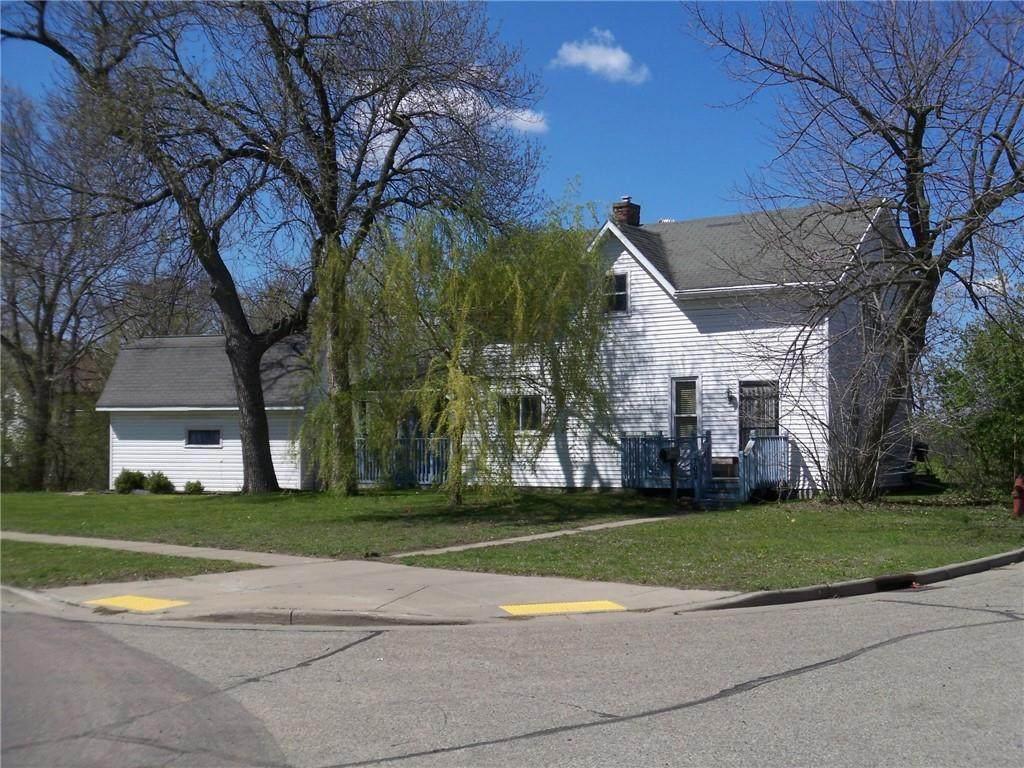 702 Dewey Street - Photo 1