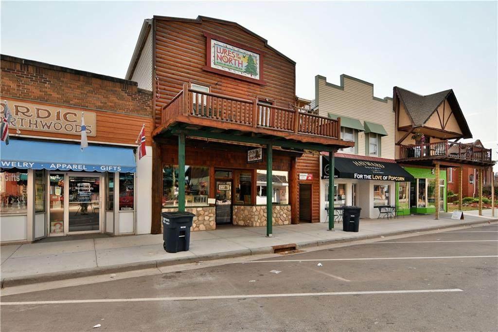 10548 Main Street - Photo 1