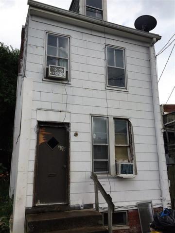 208 E Liberty Court, York, PA 17403 (MLS #21710791) :: Benchmark Real Estate Team of KW Keystone Realty