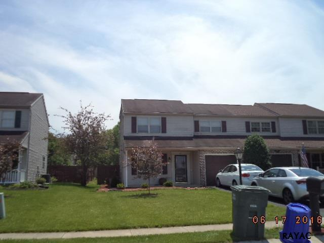 1717 Weeping Willow Ln., Dover, PA 17315 (MLS #21709610) :: CENTURY 21 Core Partners