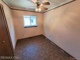 24584 Brittany Ave - Photo 13
