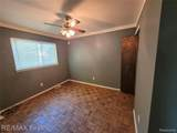 24584 Brittany Ave - Photo 14