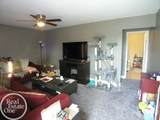 18535 Blakely Dr - Photo 2