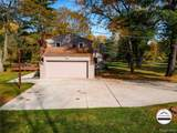24381 Edgemont Dr - Photo 34
