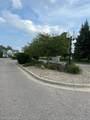 1061 Cloverdale Dr - Photo 5
