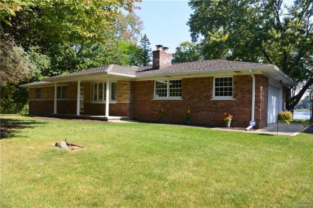 7617 Brookview Dr, Brighton, MI 48116 (MLS #217085657) :: The John Wentworth Group