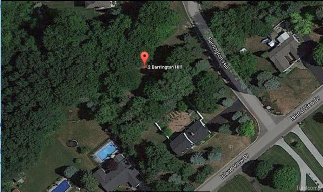 2 Barrington Hls, Fenton, MI 48430 (MLS #217093162) :: The John Wentworth Group