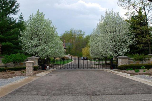 589 Barrington Park, Bloomfield Hills, MI 48304 (MLS #217096586) :: The John Wentworth Group