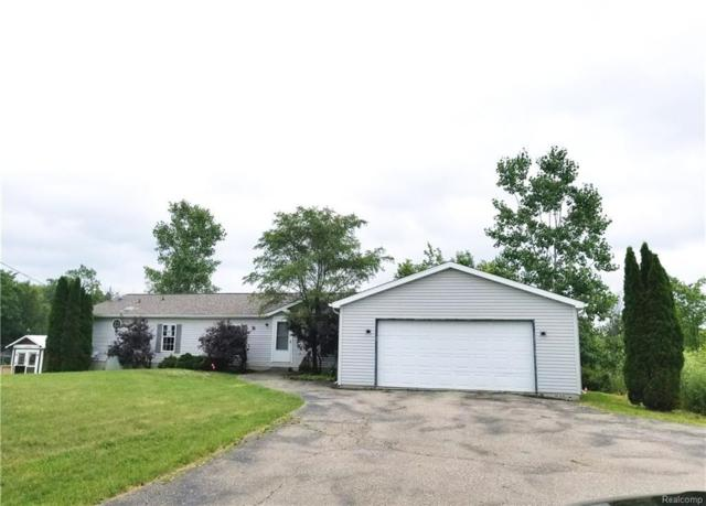 10161 N Fenton Rd, Fenton, MI 48430 (MLS #217102807) :: The John Wentworth Group