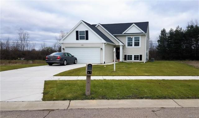 7043 Glenmeadow Crt, Grand Blanc, MI 48439 (MLS #217102782) :: The John Wentworth Group