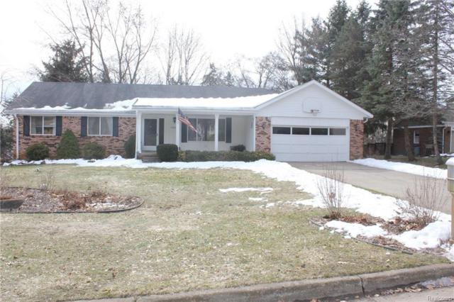 11846 Knob Hill Dr, Brighton, MI 48114 (MLS #218023152) :: The John Wentworth Group