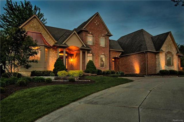 8425 Grovemont Crt, Grand Blanc, MI 48439 (MLS #218043452) :: The John Wentworth Group