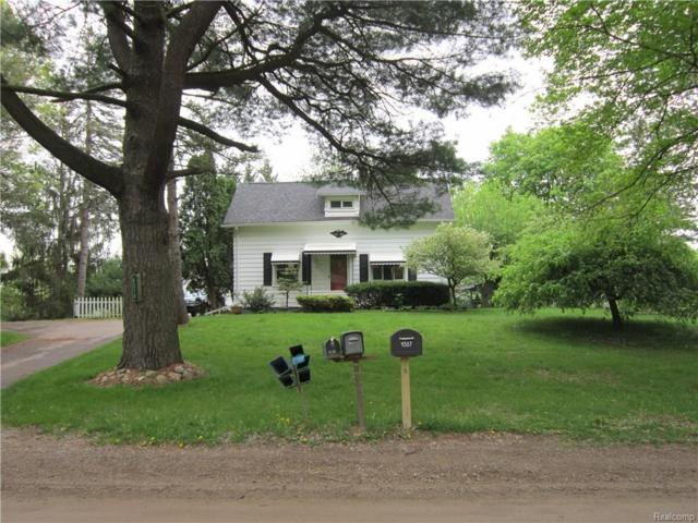 4314 Quick, Holly, MI 48442 (MLS #218045206) :: The John Wentworth Group