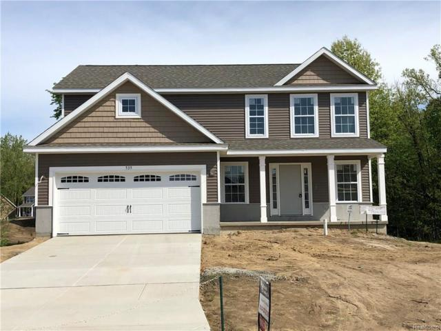 440 Edgewood Pass, Fenton, MI 48430 (MLS #218040420) :: The John Wentworth Group