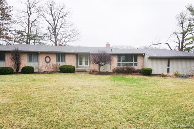 2530 Bullard Rd, Hartland, MI 48353 (MLS #219028564) :: The John Wentworth Group