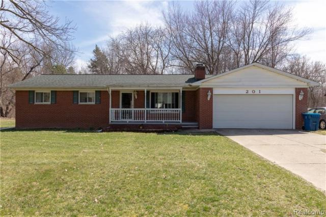 201 Blythe Ave, Linden, MI 48451 (MLS #219034905) :: The John Wentworth Group