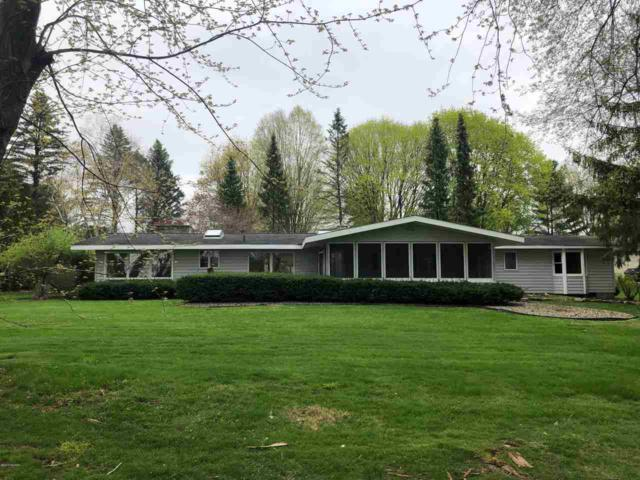680 Leonard Dr, Coldwater, MI 49036 (MLS #19019648) :: The Tom Lipinski Team at Keller Williams Lakeside Market Center